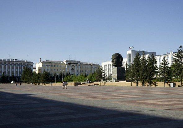 Náměstí v Ulan-Ude - největší socha Leninovy hlavy na světě
