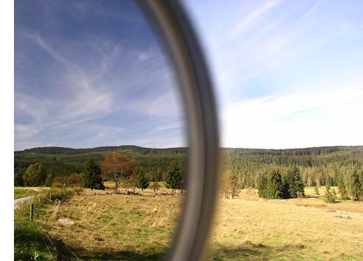 fotografie napůl s polarizačním filtrem